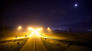 highway-lights-night-1290-975x550